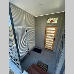 Contemporary Self-Contained Comfort In Annerley photos Exterior