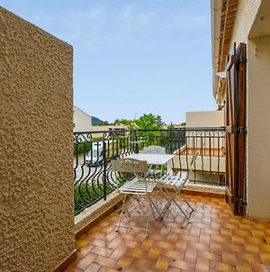 Cosy Apartment At 8 Min From The Beach In Saint-Cyr-Sur-Mer - Welkeys photos Exterior