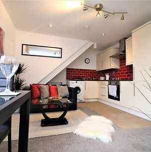 Cardiff King Bed Apartment - Free Public Parking - Close To City & Uni photos Exterior