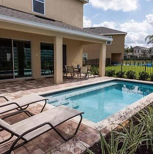 Colorful Sleek 6 Bdrm Home With Pool And Spa At Encore photos Exterior