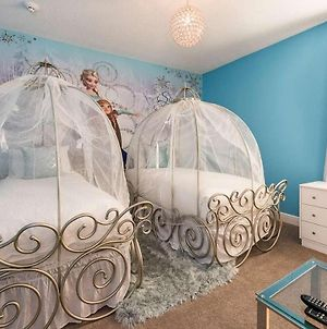 Sunny 8 Bdrm Home With Themed Rooms In Encore photos Exterior