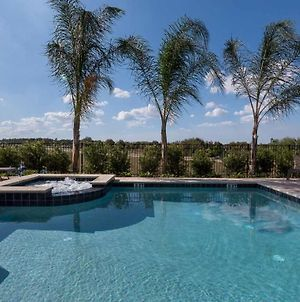 Polished Sleek 9 Bdrm Home With Backyard Pool At Encore photos Exterior
