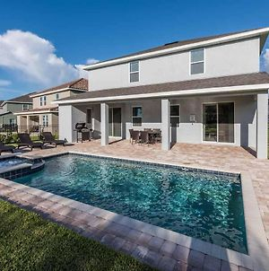 Stylish Sleek 9 Bdrm Home With Full Kitchen At Encore photos Exterior