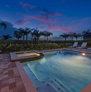Sunset 6 Bdrm Home With Modern Living At Encore photos Exterior