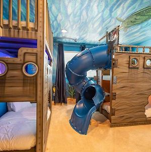 Captivating 6 Bdrm Home With Incredible Themed Bedroom At Encore photos Exterior