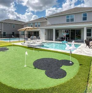 Dazzling 8 Bdrm Home With Putting Green At Encore photos Exterior