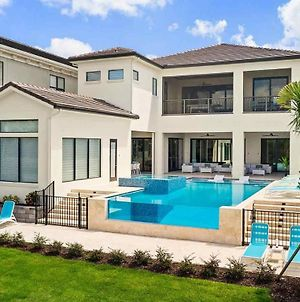 Luxurious 7 Bdrm Mansion With Infinity Pool At Reunion photos Exterior