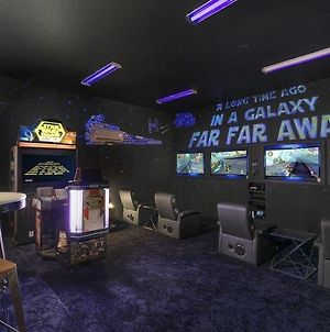 Inviting 5 Bdrm Home With Themed Games Room At Reunion photos Exterior