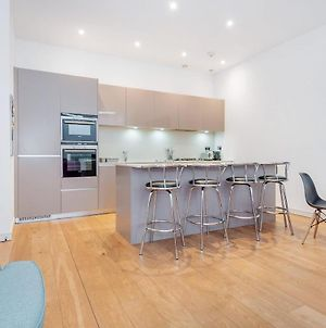 Stunning Two Bed - In The Middle Of London - Next To River photos Exterior