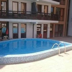 Lovely 1 Bedroom Apartment With Shared Pool photos Exterior