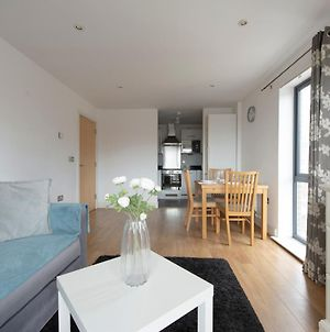 Amazing 2 Bedroom Flat Closed To Excel, O2 Arena And Canary Wharf photos Exterior