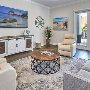 Luxurious Coastal Townhome Just Steps From The Beach 16313 photos Exterior