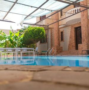 Family Villa With Private Pool, 3 Minutes From Beach Abu Talat photos Exterior