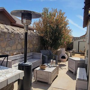 Cheerful 3 Bedroom Home With Tub. photos Exterior
