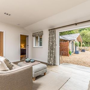 Pass The Keys Delightful 2Bed Lodge In Downland Village photos Exterior