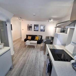 Beautiful 2-Bed Apartment In Margate photos Exterior