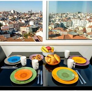 'Sky View' City Centre Apartment -Strictly For Families Or Couples Or Mature Friends - We Do Not Accept Groups Of Friends Under 40 Years Old - No Exceptions photos Exterior