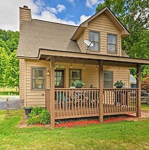 Cozy Maggie Valley Cottage With Deck And Mtn View photos Exterior