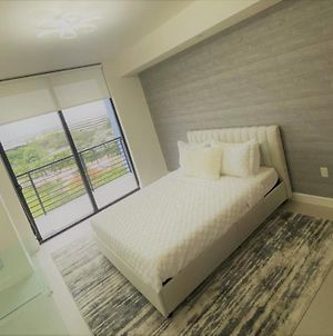 New Luxury Apartment In Downtown Doral photos Exterior