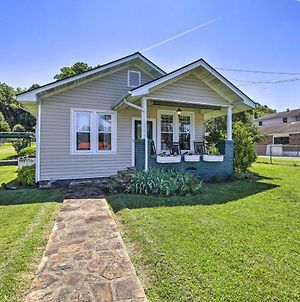 Cozy Cottage With Porch And Creeper Trail Access! photos Exterior