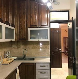 3 Bedroom Gorgeous Apartment In Central Of Yerevan photos Exterior