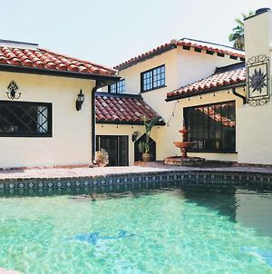 Mediterranean Chic Home With Pool & Bbq - 3 Br/2Ba photos Exterior