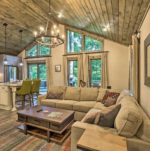 Luxe Cabin With Wraparound Porch And Pool Access! photos Exterior