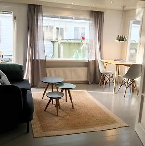 Houseboat Apartment With Water Terrace, Free Bikes & Fast Wifi photos Exterior