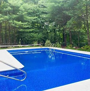 Beautiful 7 Bedroom Home With Inground Heated Pool photos Exterior