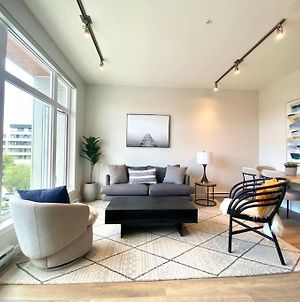 Brand New Sulte Downtown Sidney Close The Airport & Ocean photos Exterior