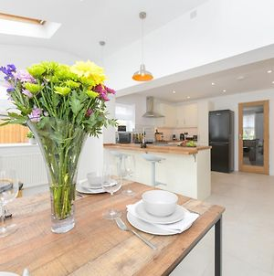 Mickleborough House - Modern, Warm And Classy 3 Bedroom In West Bridgford photos Exterior