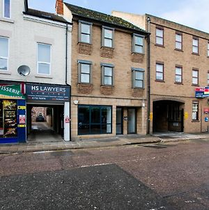 Kvm - City Apartments, Town Centre With Parking By Kvm Serviced Accommodation photos Exterior