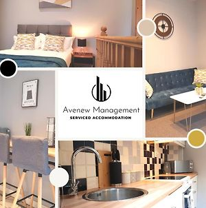 1 Bedroom House By Avenew Management Serviced Accommodation Stoke-On-Trent In The Heart Of Potteries With Free Parking & Wifi photos Exterior