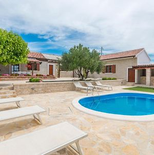 Nice Home In Lisicic With Outdoor Swimming Pool, Wifi And 3 Bedrooms photos Exterior