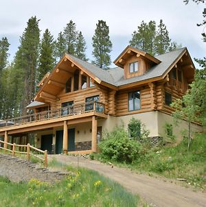 Mountain View Luxury Log Home Hot Tub & Great Views - Free Activities & Equipment Rentals Daily photos Exterior