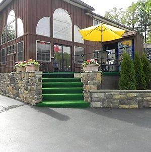 Mohican Resort Motel, Conveniently Located To All Adirondack Attractions photos Exterior