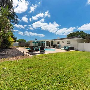 Welcome To Barefoot Bungalow Sleeps10 And Is Located In Indian Shores Florida 12197 photos Exterior