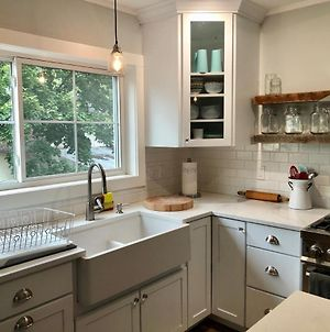 *Sandpoint Cottage* Cozy, Charming, & Conveniently Located photos Exterior