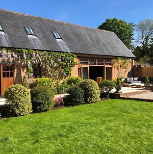 Grade II Listed Barn Conversion On The Edge Of Bournemouth And The New Forest. photos Exterior