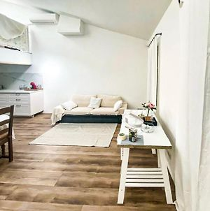 Nice Apartment In The Heart Of Aigues-Mortes photos Exterior
