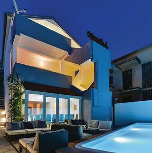 Villa Grande With Pool & Jacuzzi For 18 photos Exterior