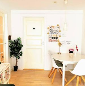 5 Minute Walk To Lego - 2 Bedroom 80M2 Apartment With Garden photos Exterior