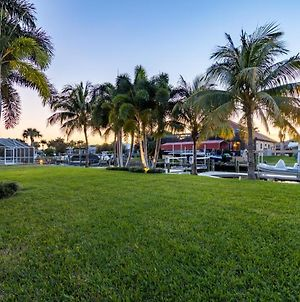 Pet Friendly Paradise With Amazing Gulf Access - Flamingo Cottage - Roelens Vacations photos Exterior