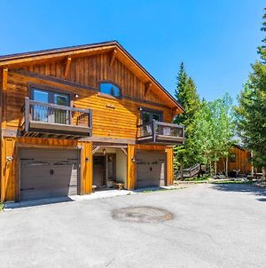 Moose Hut Hideaways Sleeps 11 And Views With Hot Tub photos Exterior