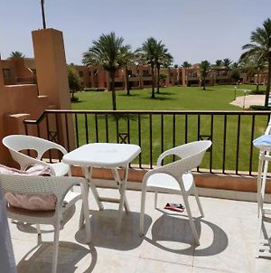 Lovely 1 Bedroom With Swimming Pool View & Amazing Garden View photos Exterior