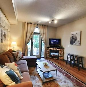 Delightful Chalet 2Bd 2Ba Pool Hot Tub Bbq Private Entry Park Pass photos Exterior
