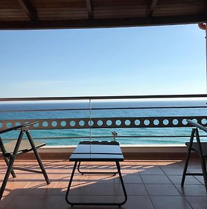 Seafront Lovely House, With Amazing Balcony View photos Exterior