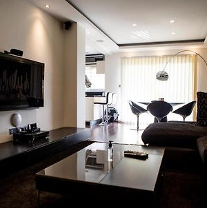 Luxury Apartment In The Heart Of Limassol photos Exterior