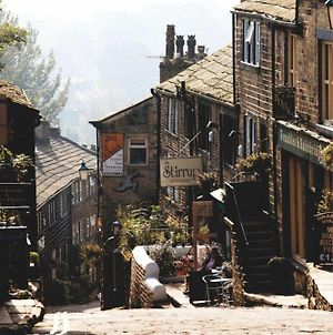 Cosy Quirky 3 Bed Cottage In Haworth photos Exterior
