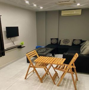 Furnished 1 Bed Apartment With Grand Mosque View photos Exterior